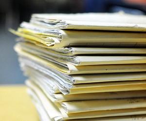 У Міносвіти просять атестаційні комісії зменшити паперовий тиск на учителів