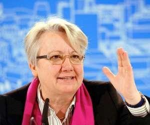 Міністра освіти Німеччини можуть позбавити наукового ступеня