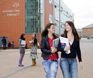 Знижка на навчання в Bellerbys College (Велика Британія)