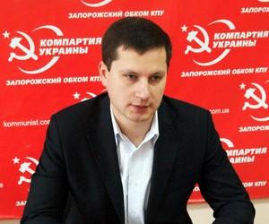 Секретар освітнього комітету відмовився спілкуватися українською