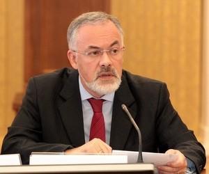 Табачник переконує, що загрози скорочення викладачів ВНЗ немає