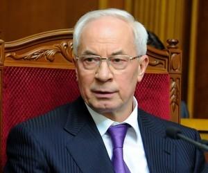 Азаров просить не використовувати викладачів у політичних акціях