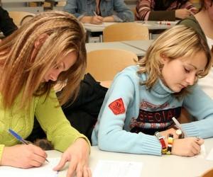"""Учні 9-х класів напишуть диктант №82 за темою: """"Ранок у лісі"""""""