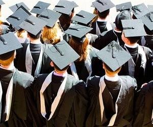 Які університети готують керівників