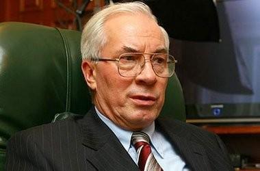 Азаров хоче звільняти за «благодійні внески»