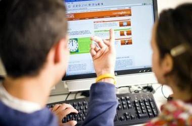 Школярі зможуть користуватися підручниками online