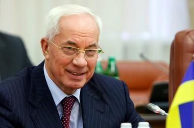 Азаров каратиме чиновників, які не підготували школи
