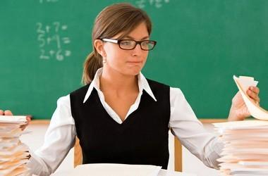 Середня зарплата вчителя ледь сягає 2,5 тисяч