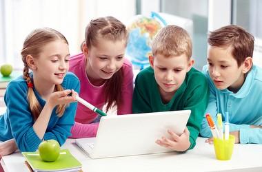 Школи позмагаються за мультимедійні комплекси