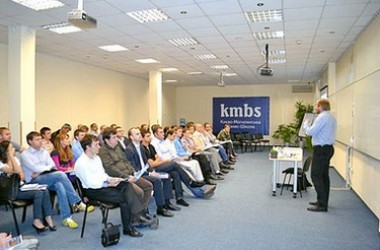 Презентація MBA-програм у бізнес-школі kmbs