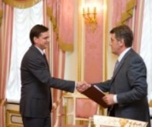 Ющенко просить Павленка подумати над організацією дитячого відпочинку