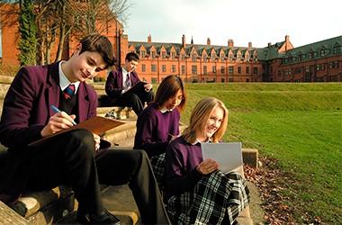 """Освітня виставка """"Школи-пансіони Великої Британії"""""""