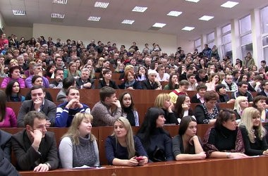 Студенти висловили недовіру ректорату КНУБА