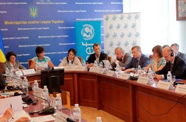 Донбас: навчальний рік розпочнеться пізніше