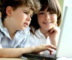 Діти та ноутбук