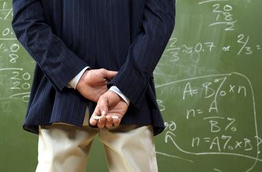 Шкільних учителів теж атестуватимуть по-новому