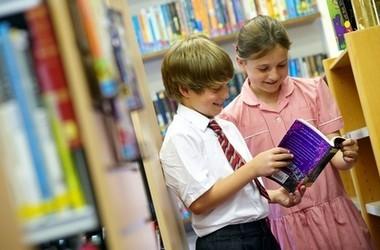Батьки купуватимуть підручники для своїх дітей