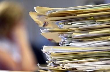 Чиновники звітуватимуть про боротьбу з бюрократією