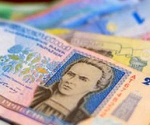 Уряд обіцяє підвищити стипендії