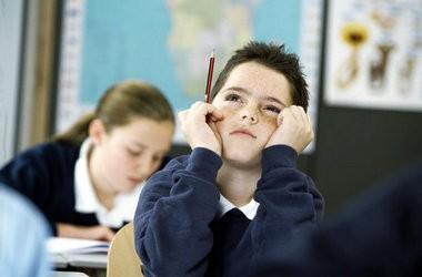 Міносвіти пропонує впровадити 12-річну школу