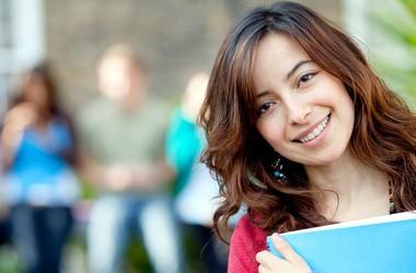 Дев'ять міфів про навчання за кордоном