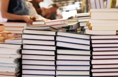 Доставку підручників розпочнуть після 1 грудня
