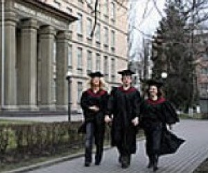 В Україні налічується 200 приватних вищих навчальних закладів
