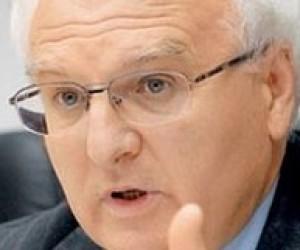 Вакарчук: уряд рекомендує, а не зобов'язує спілкуватися українською мовою