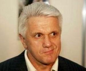 Литвин обіцяє вчителям статус державних службовців