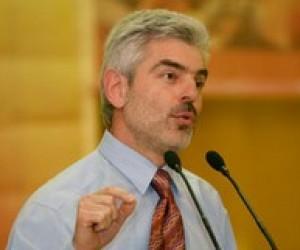 В. Матчук: Уряд обіцяє надбавки вчителям, яким завтра нікуди буде йти на роботу
