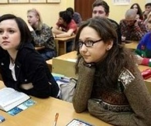 Донецькі школярі наздогнали навчальну програму і відпочинуть 5 днів у квітні