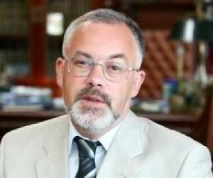 Рада Криму: Табачник перший професійний міністр освіти за часів незалежності