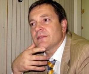 Колесніченко вирішив, що аспірантам українську мову знати не обов'язково