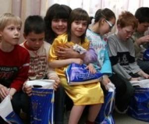 """Студенти КНУКіМ провели благодійну акцію """"Все найкраще дітям"""""""