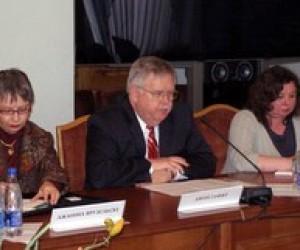 Дмитро Табачник зустрівся з послом США Джоном Ф. Теффтом