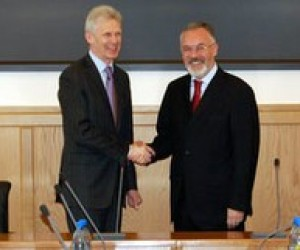 Табачник: Україна не збирається відмовлятися від Болонської системи