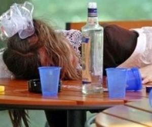 Рада відмовилася ввести кримінальну відповідальність за продаж алкоголю дітям