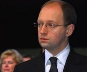 Яценюк закликав МОН не допустити зловживань під час вступної кампанії-2010