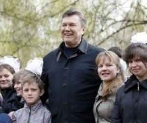 Янукович підписав указ про літній відпочинок дітей