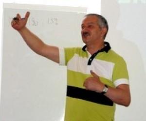 """""""Криза була чи буде?"""" - лекція Віктора Пинзеника"""