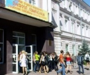 Иногородние студенты в Одессе ночуют на вокзале