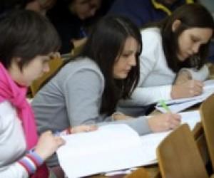 Студенты становятся дефицитным товаром