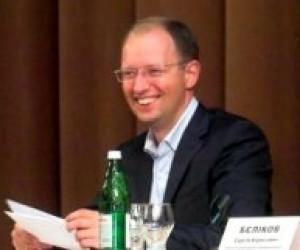 А. Яценюк вважає, що держава достатньо фінансує розвиток науки
