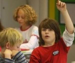 До 1 вересня п'ятиліток не забезпечать викладачами та підручниками?