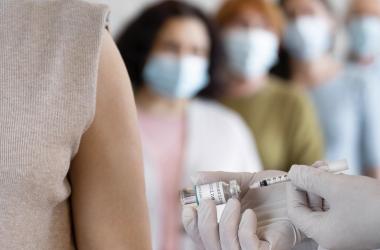 МОЗ не планує примусової вакцинації вчителів