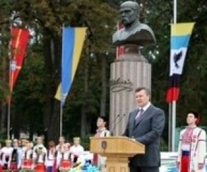 Лише освічені люди здатні модернізувати країну, - В.Янукович