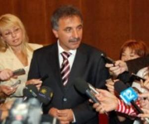 Крим вимагає скасувати наказ про навчання українською мовою