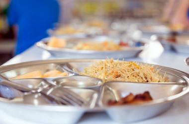 Уряд планує модернізувати всі шкільні їдальні